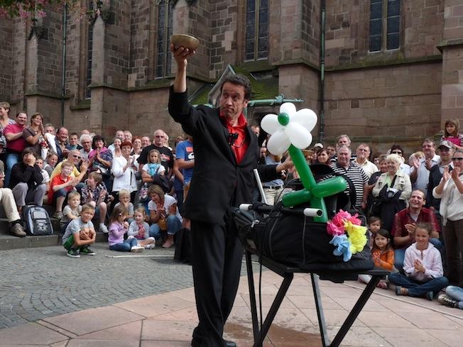 Magicien Lelouchier : magie de rue à Wendel
